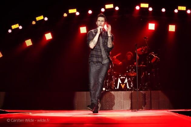 Adam Levine maroon5 photolive