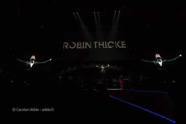 robin thicke show in paris